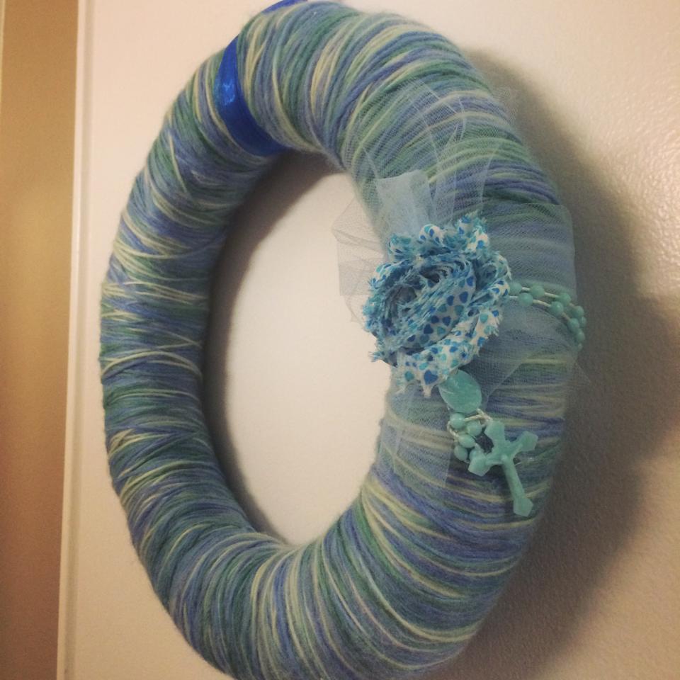 Yarn Wreaths Add Elegance To Decor
