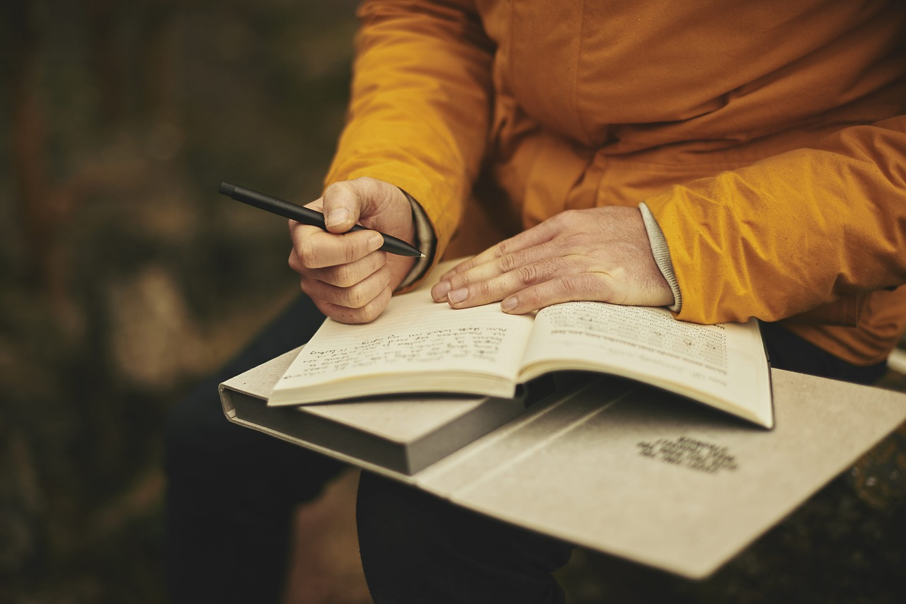 How to Make and Use a Gratitude Journal
