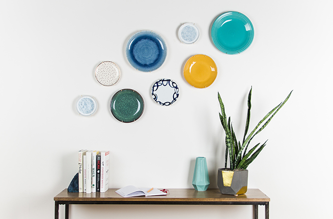 Fun Ways to Hang Plates on a Wall from North Carolina Lifestyle Blogger Champagne Style Bare Budget