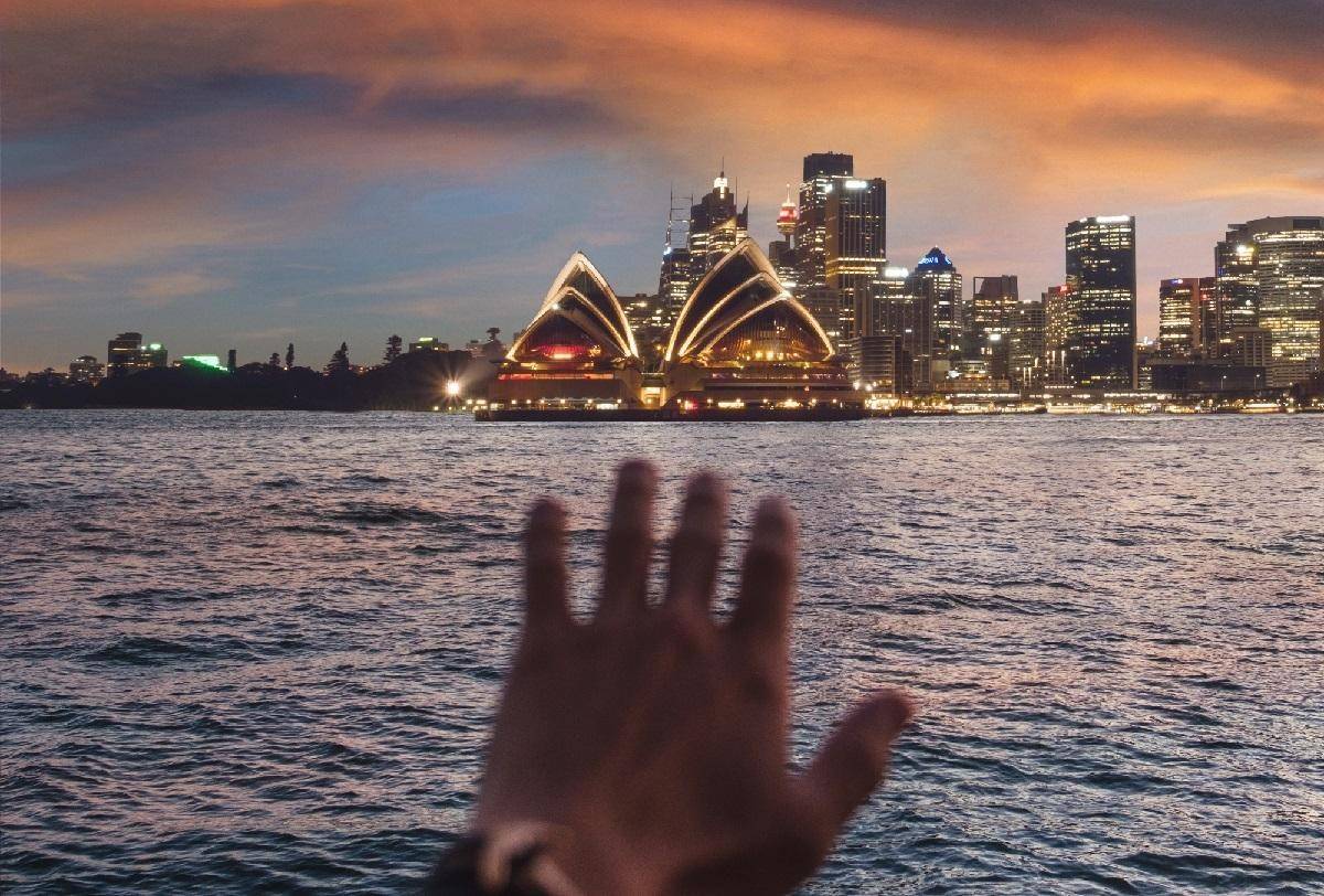 5 Ways to Experience the Best Australia Has to Offer on a Budget from North Carolina Lifestyle Blogger Champagne Style Bare Budget