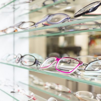 Expressing Your Personality: Can Wearing Eyeglasses Be a Fashion Statement?