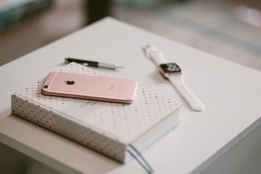How to Buy a Smartwatch for Women from North Carolina Lifestyle Blogger Champagne Style Bare Budget