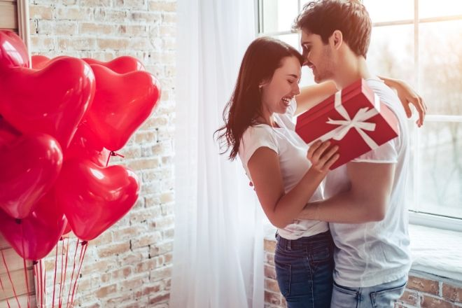 Meaningful Anniversary Gifts for Your Spouse