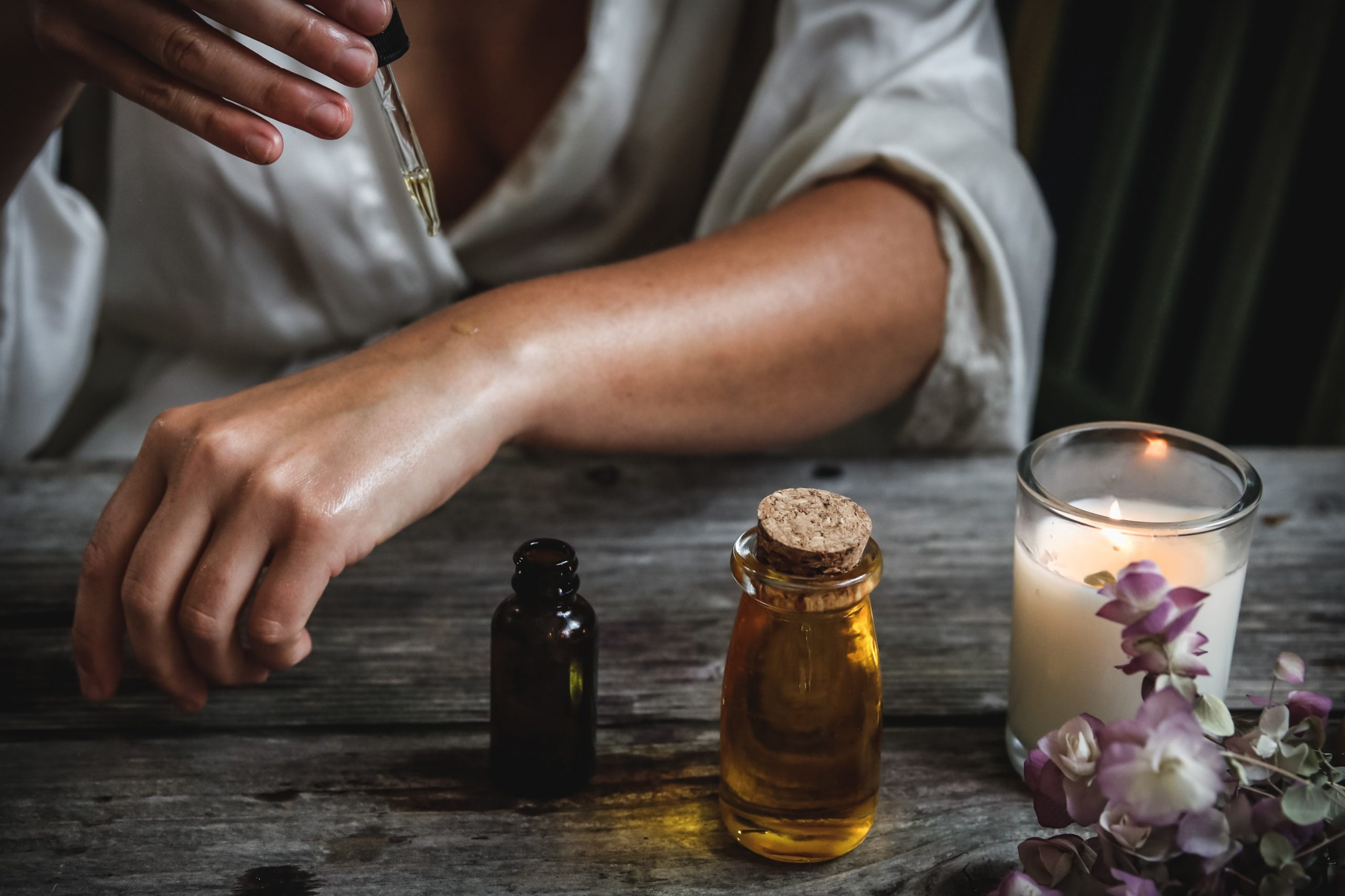 Essential Oils to Help You Sleep Better from North Carolina Lifestyle blogger Champagne Style Bare Budget