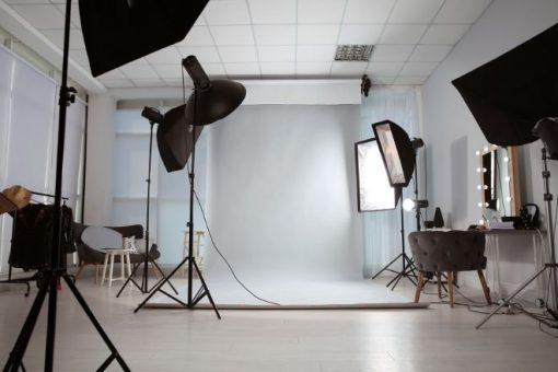 How to Set Up Your First Photography Studio from North Carolina Lifestyle Blogger Champagne Style Bare Budget