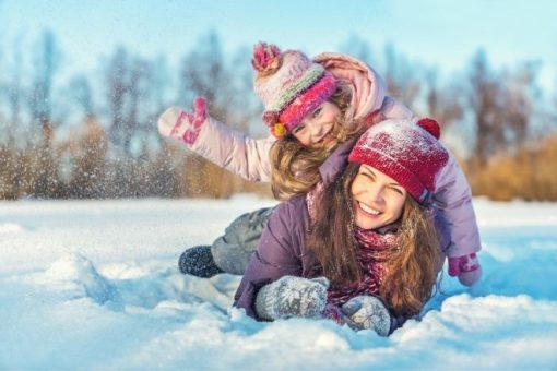 How To Keep Your Kids Warm for Fun in the Snow