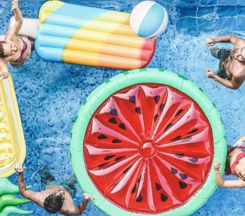 Tips for Hosting the Perfect Pool Party